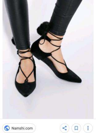 Бархатные балетки с шнуровкой