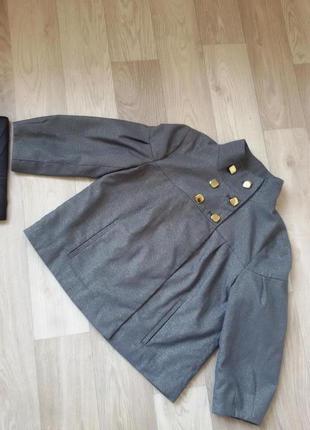 Красивый пиджак р.36-38