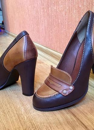Деловые, офисные туфли 38р(24,5см)