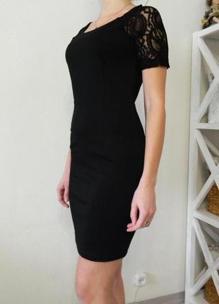 Маленькое черное платье м