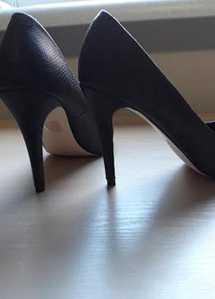 Туфли классичесике на каблуке новые размер 40