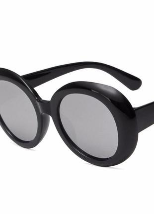 Крупные овальные солнцезащитные зеркальные очки серебристый металлик большие массивные