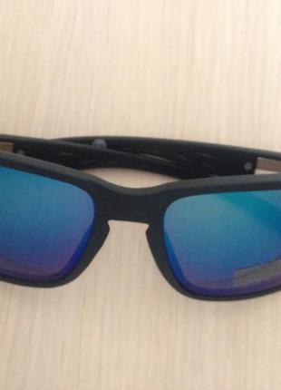 Мужские солнцезащитные очки c&a