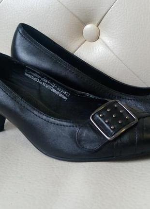 Новые женские туфли  marco tozzi