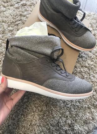 Ugg оригинальные новые кроссовки