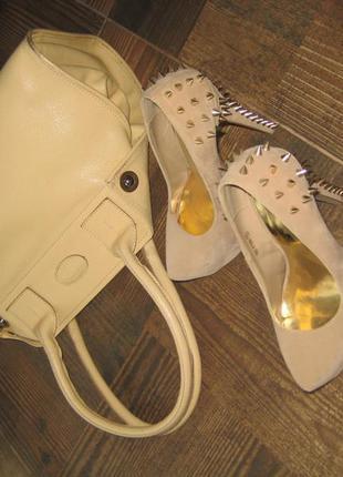 Бежевые нюдовые туфли на платформе с шипами распродажа!!!