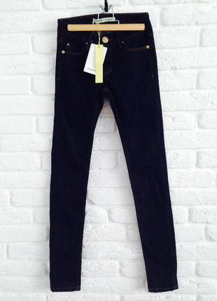 Идеальные коттоновые темно-синие джинсы скини размер 22 stradivarius