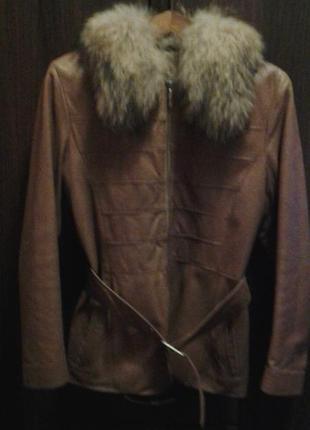 Шкiряна весняна курточка,мае легку пiдкладку на синтепонi,yes london,44розмiр,б/у