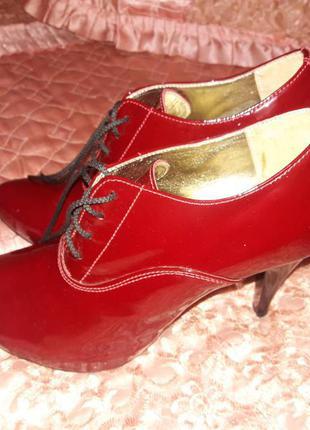 Красивые кожаные ботильоны, ботинки на каблуках, р 36-37