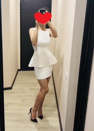 Платье lipsy с баской