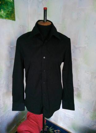 Черная котоновая презентабельная классическая рубашка,офисная,деловая.