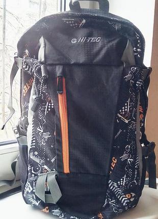 Спортивный фирменный рюкзак 25литров hi-tec.