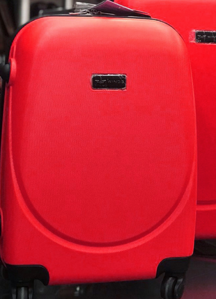 Пластиковый чемодан маленький красный ручная кладь валіза червона маленька