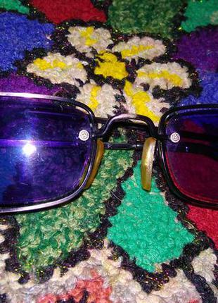 Сиреневые очки от солнца