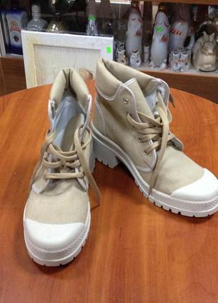 Шикарные кроссовки на каблуке италия сток