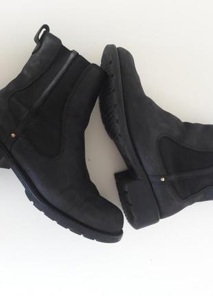 Ботинки ckarks черные. нубук.