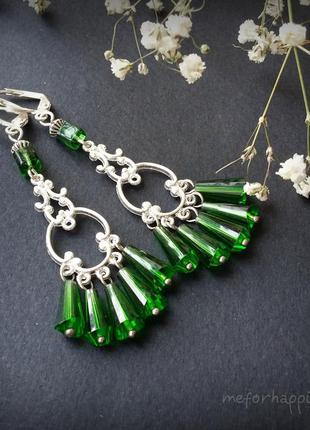 Весенние зеленые серьги с посеребренными швензами