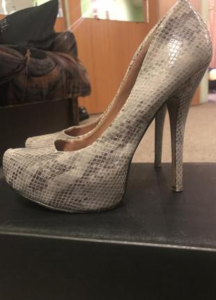 Туфли aldo на высоком каблуке