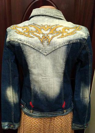 Большой выбор! джинсовый пиджак с вышивкой на спине размер м