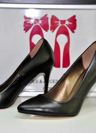 Стильные туфли-лодочки. кожаные туфли la rose.  супер качество. размеры: 36, 37, 38