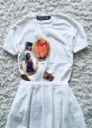Белая футболка с наклейками в стиле 90-х denis simachev оригинал хлопок