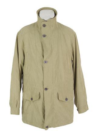 Оливковая куртка-ветровка