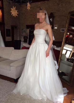Шикарное свадебное платье vera wang оригинал!