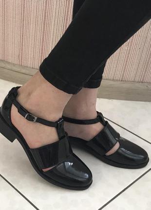 Женские туфли, лоферы на низком ходу