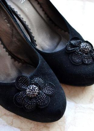 Черные замшевые туфли sharman на высоком каблуке р.39