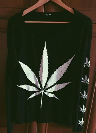 Чёрный женский свитер