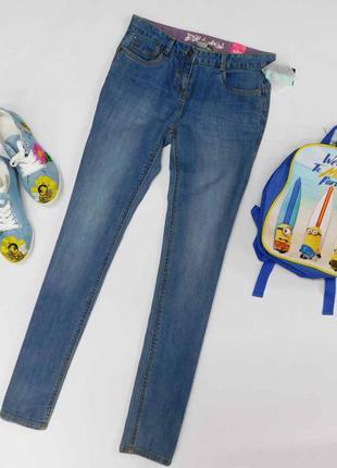 Светлые  джинсы kiabi  размер 25-26 на рост 162 см