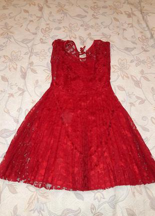 Красивое гипюровое платье  s