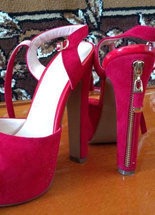 Красивая обувь...