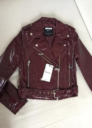 Куртка косуха с эффектом лаковой кожи bershka оригинал из испании р.xs -распродажа!