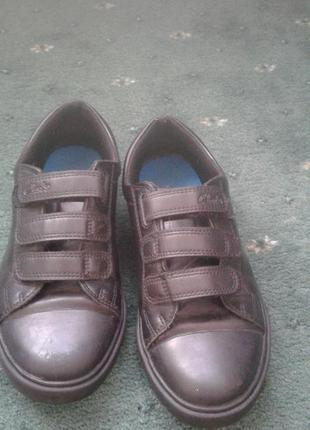 Туфли для мальчика clarks в идеальном состоянии
