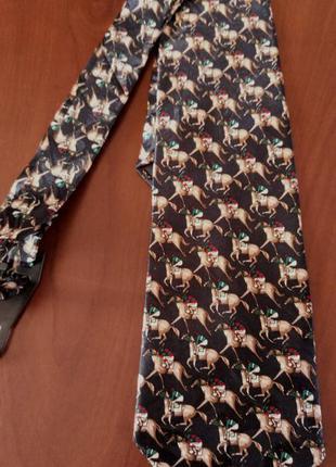 Поделиться:  галстук