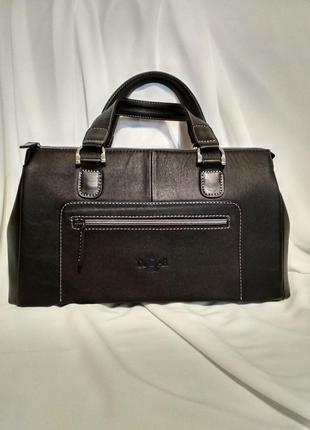 Черная сумка из натуральной кожи