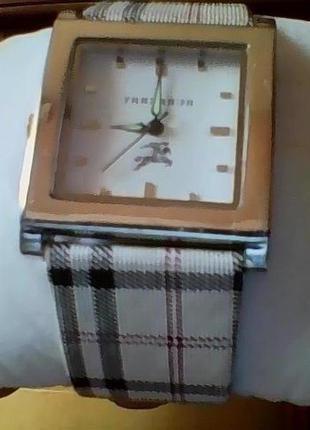 Часы наручные женские оригинал!