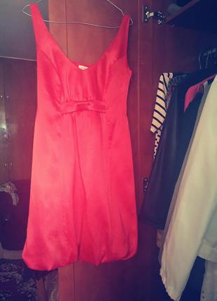 Платье атласное, коралового цвета