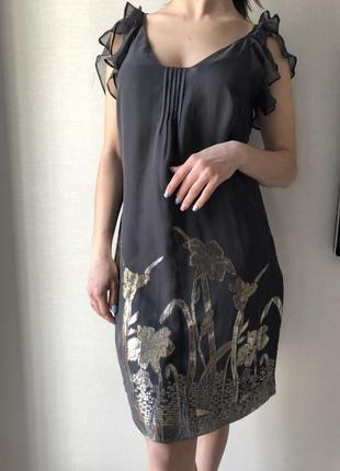 Красивое платье из натурального шелка oasis
