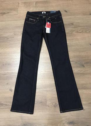 Расклешенные джинсы tommy hilfiger 27