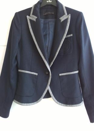 Блейзер zara темно-синего цвета 100% тонкая шерсть
