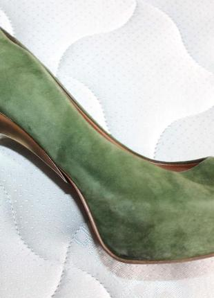 Туфли на каблуке зеленого цвета zara