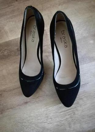 Туфли замшевые на высоком каблуке braska