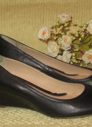 Красивые туфли на танкетке roberto santi  - италия