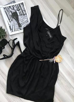 Ассиметричное платье на запах платье на выпуск
