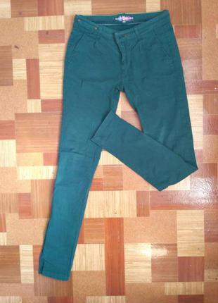 Зелёные штаны, брюки, джинсы