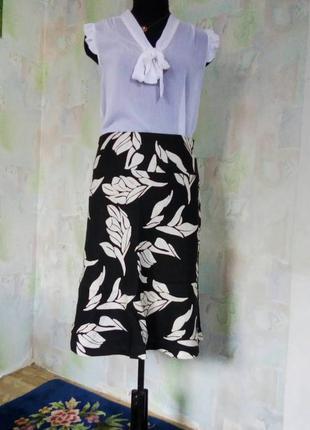 Черная 100% льняная юбка миди в белые цветы,принт,а силуэт,колокол, деревенский стиль.