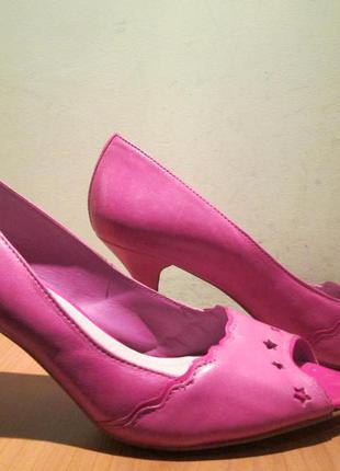 Туфли(модельные босоножки) коокаі р.38.натур.кожа.оригинал(сток)