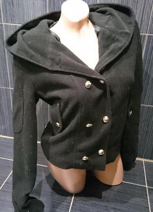 Курточка из драпа на наш 42-44р с очень большим капюшоном